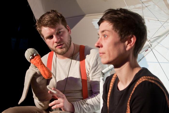 Theaterspieler mit Ente
